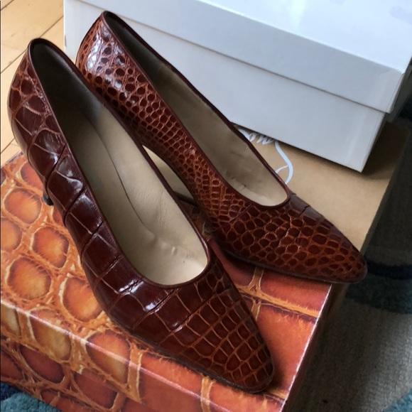 538493da6dc49 Matteo & Massimo Shoes | Genuine Alligator Heels From Matteo Massimo ...
